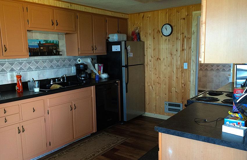beachfront cottage kitchen