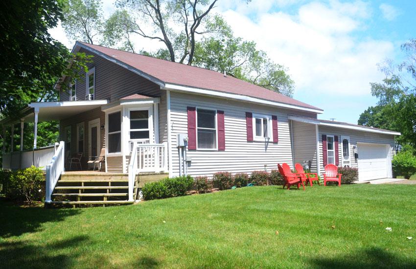 blue moon cottage exterior