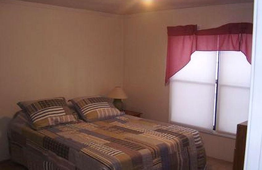 creekside cottage bedroom pentwater michigan
