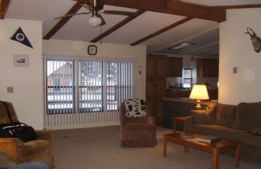 creekside cottage great room