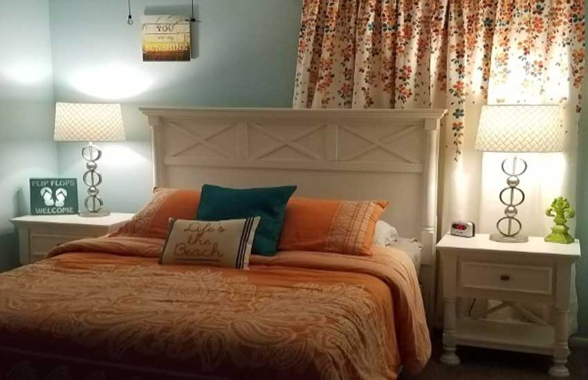 pentwater village summer house master bedroom